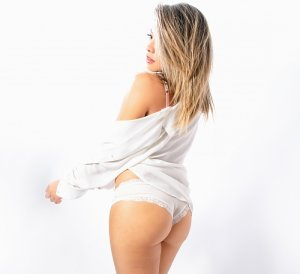 Chanael live escort