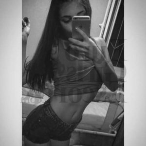 Tiguida escort girl