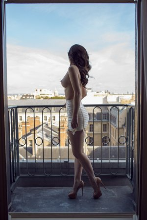 Marie-christinne escort girls in Welby